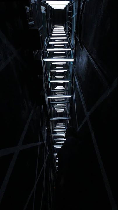 The once dead space becomes a passage to another space and at the same time relate with people through interactive light.