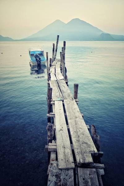 Озеро Атитлан, Гватемала.