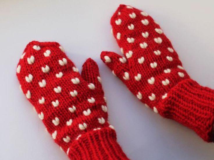Tutoriel DIY: Tricoter des moufles à motif coeur via DaWanda.com