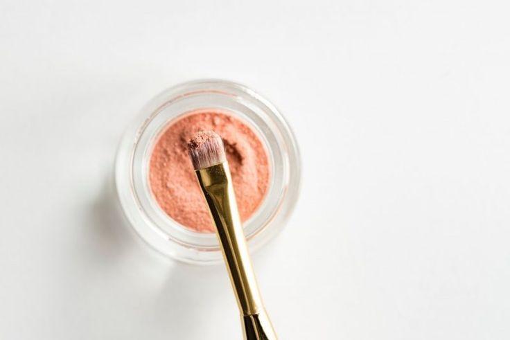Beauty | Merken die ik wil proberen (natuurlijk, dierproefvrij, vegan) (Gek op make-up)  ||  De laatste tijd heb ik veel nieuwe make-up geprobeerd, terwijl ik dat eigenlijk niet van plan was. Ik wilde mijn huidige make-up opmaken (evenals de back-ups) en dan kijken voor natuurlijke make-up. V https://www.bloglovin.com/blogs/gek-op-make-up-14255697/beauty-merken-die-ik-wil-proberen-natuurlijk-5945072679?utm_campaign=crowdfire&utm_content=crowdfire&utm_medium=social&utm_source=pinterest