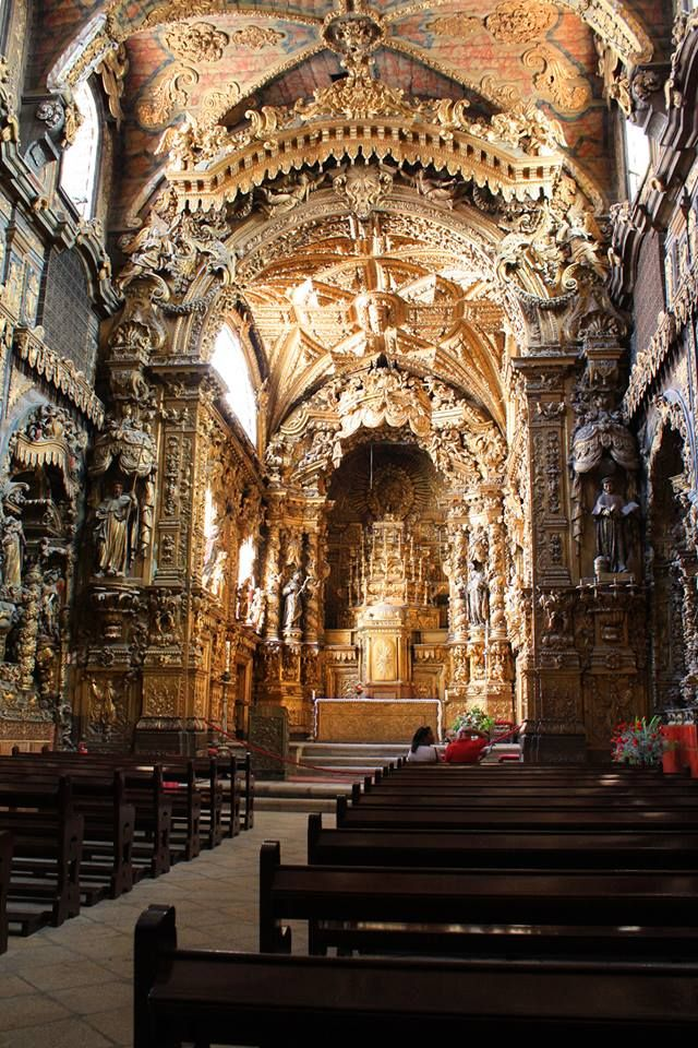 Igreja de Santa Clara | Porto Um espanto de beleza, rica em detalhes e histórias.