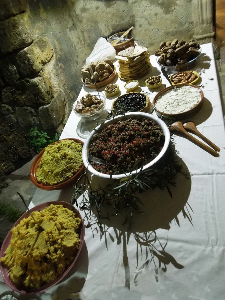 Imagining the Minoan gastronomy (at Archaeological Museum of Chania)
