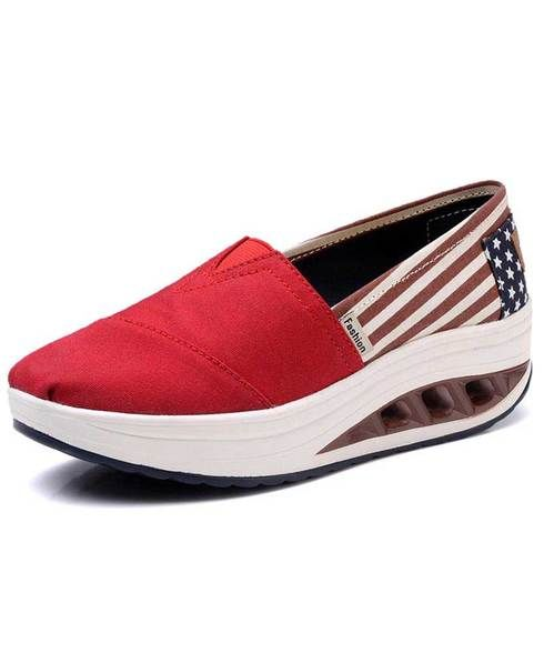 703f35da0032 Red flag print slip on rocker bottom shoe sneaker 1887 en 2018 ...