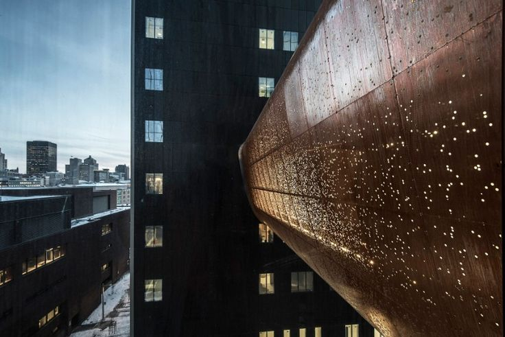CannonDesign + NEUF architect(e)s, Passerelle du Centre Hospitalier de l'Université de Montréal, Montreal, Canada