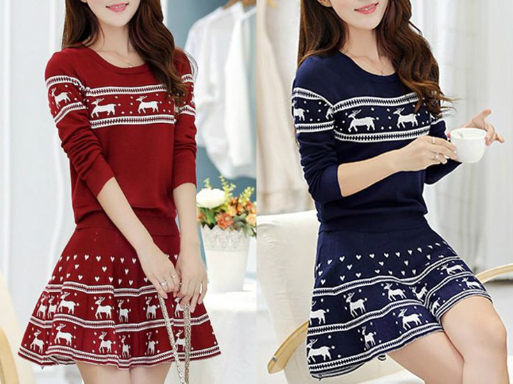 Stylish Scoop Neck Elk Print Pullover Christmas Sweater and Pleated Mini Skirt Twinset For Women