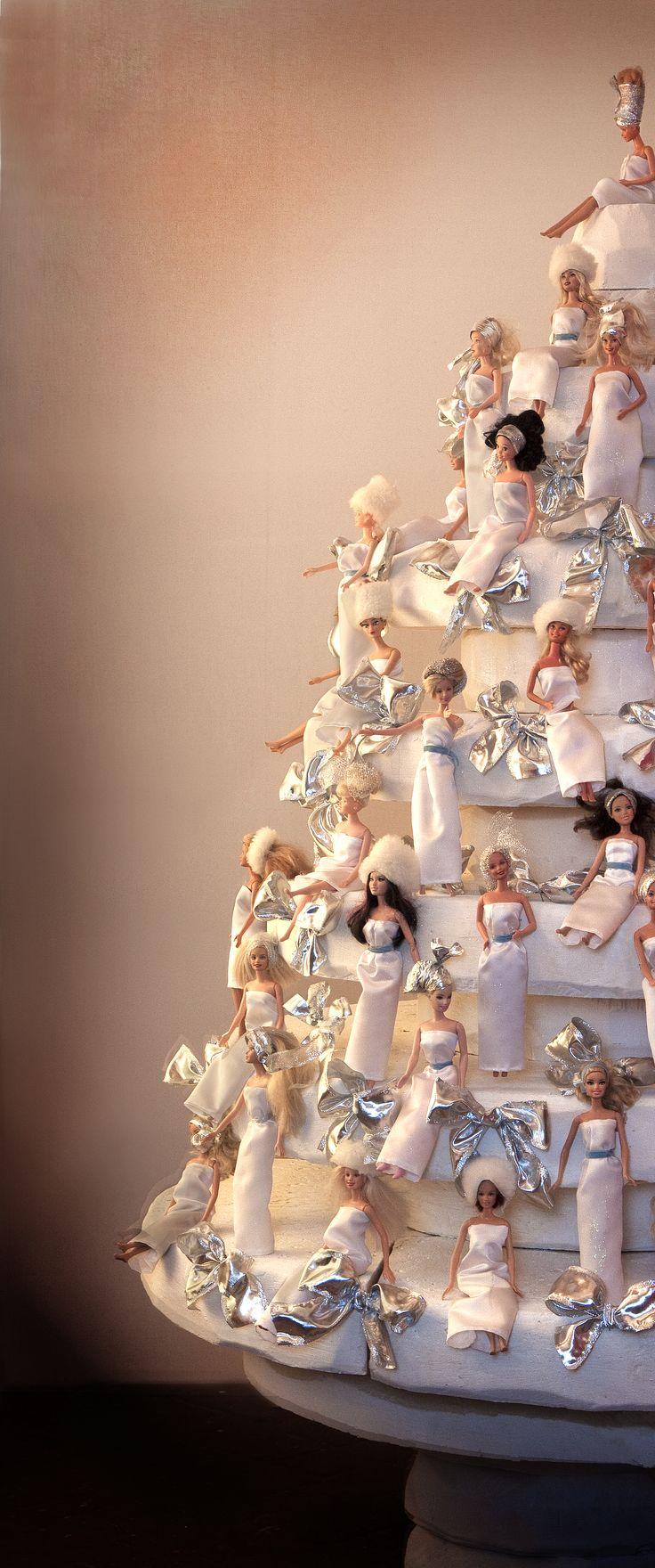 Il nostro Albero di Natale 2013 fatto da 230 Barbie che il mondo ci ha donato per realizzare questa installazione che poi abbiamo donato a Dynamo Camp