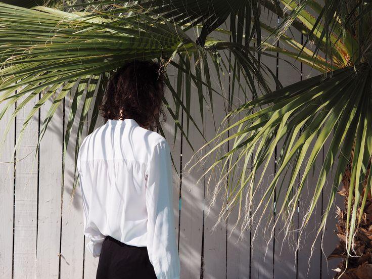 Palm Springs | Summer Mood | Palm Trees Garden | Helmut Lang Blouse white | Kiki Albrecht