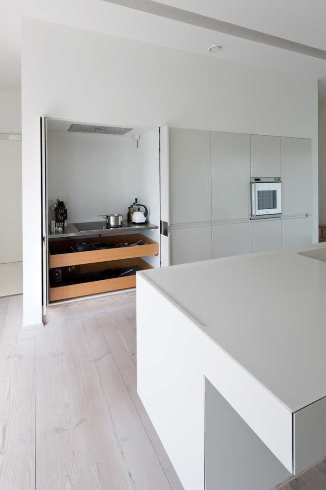une cuisine int gr e c est tellement chic minimalist pinterest kitchens hidden kitchen. Black Bedroom Furniture Sets. Home Design Ideas