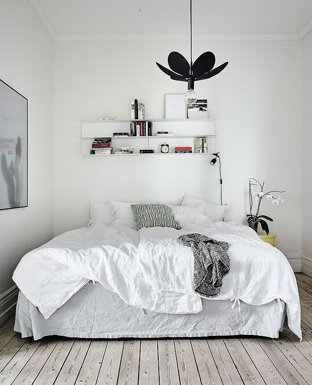 Simple home in a historic building via cocolapinedesign for Minimalist bedroom pinterest