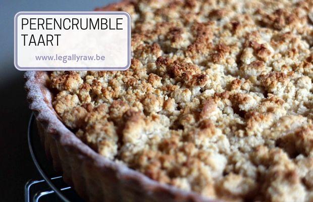 Perencrumble taart - Perencrumbletaart met veenbessen en amandelcrumble  http://legallyraw.be/perencrumble-taart/