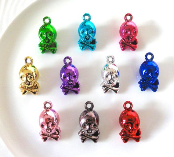 6 pcs  Metallic Skulls Acrylic Resin Charms by CraftyMissBettie