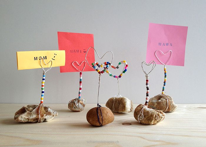 schaeresteipapier: DIY tutorial für den Muttertag: Herzen aus Draht gebogen als Notizhalter