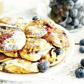 BANAAN POFFERTJES Maar dan blauwe bessen mee gebakken, zó lekker! Recept van de #poffertjes heb ik weer even voor je als direct link gezet. Voeg er een handje blauwe bessen aan toe en geniet #essiehealthylife - #suikervrij #blauwebes #healthypancakes #bananapancakes #pannenkoeken #glutenvrij #gezondrecept #fitgirlsnl #dutchfoodie #ontbijt #afvallen #fitdutchies #veganpancakes #fitfamnl #breakfastinspo #gezondeten #banaanpoffertjes #gezond #comfortfood #blueberries #foodblogger