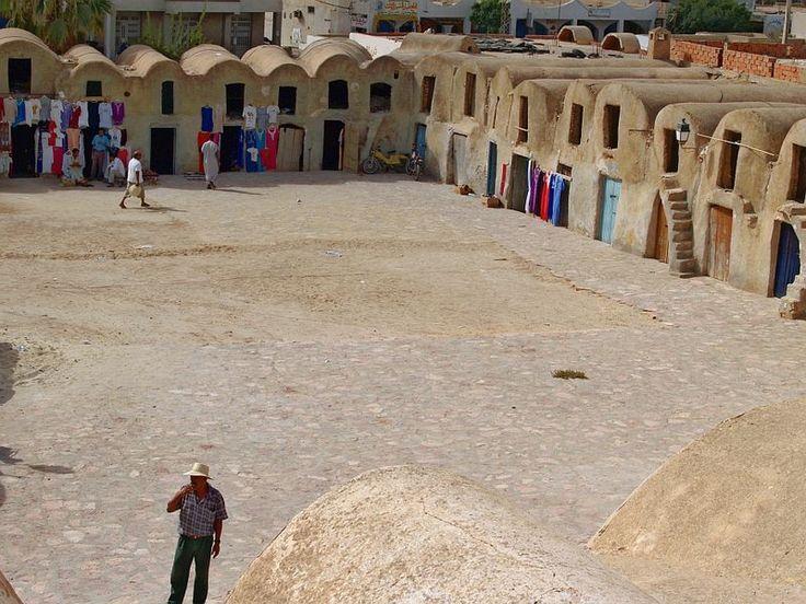 Ksar de Médenine, Tunísia. Os ksours da Tunísia são celeiros fortificados, usados por uma ou várias tribos, quase sempre berberes.  Fotografia: Jose Mario Pires.
