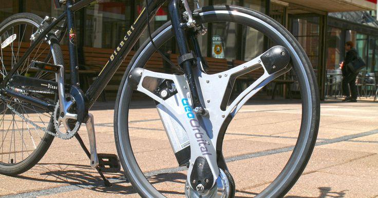 ボストンのスタートアップGeoOrbitalが、手持ちの自転車の前輪と交換に取り付ける駆動輪、GeoOrbital Wheelを発表しました。タイヤサイズ26インチもしくは700c(28/29インチ)の自転車に取り付け、ホイールリムを内側から駆動する仕組みを採用します。