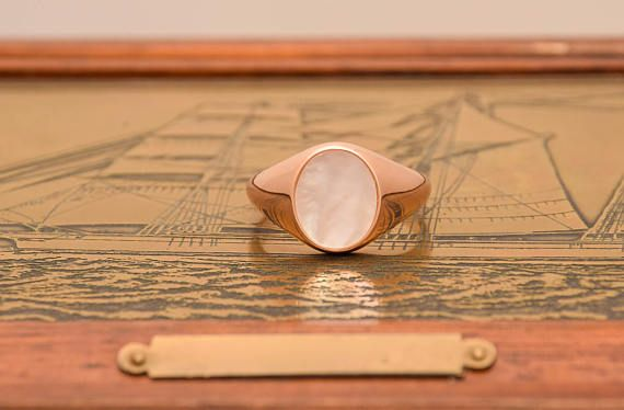 25%off 9k, Solid Gold Signet Ring, Rose Gold Signet, Mother Of Pearl Ring, Women Signet Ring, White Agate Ring, Signet Ring, Woman Gold Ring