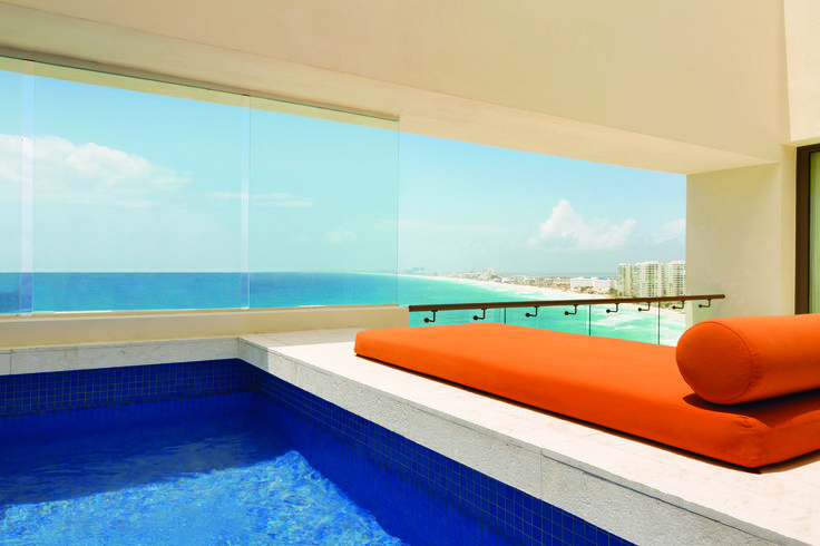 Enjoy a beachfront resort framed by the Caribbean Sea on the most stunning strip of Punta Cancun. Hyatt Ziva is a playful all-inclusive family getaway on Mexico's coast. Choose from 547 luxury suites with contemporary Caribbean decor and picturesque views of the blue sea. l Hyatt Ziva Cancun