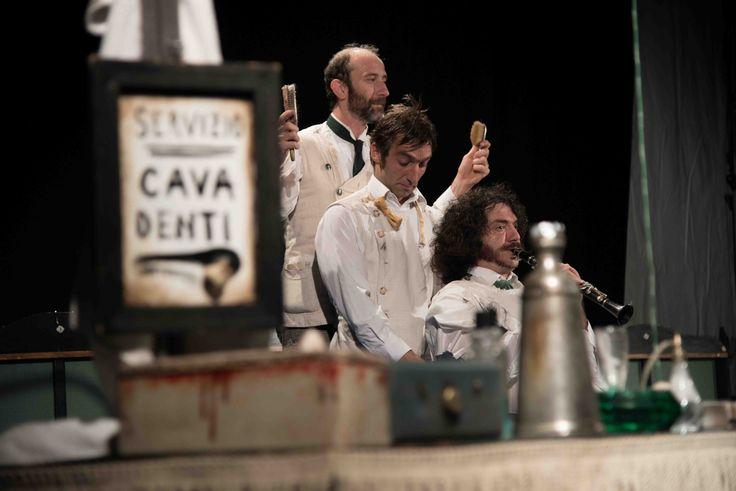 Nuova Barberia Carloni - Teatro Necessario (Italia)