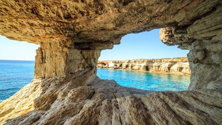 Útesy a oblúky Aiya Napa, Cyprus