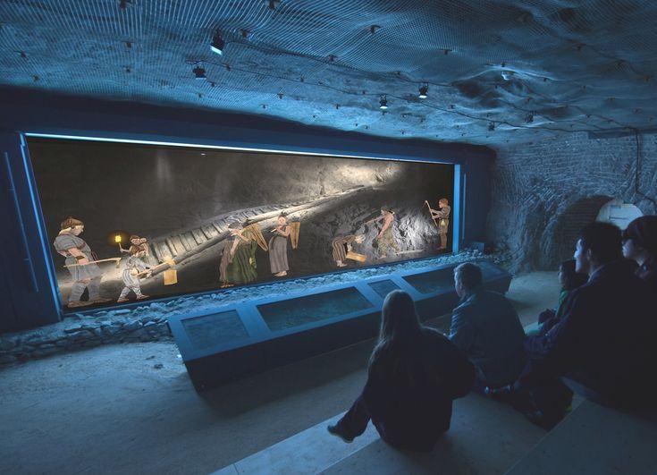 Die älteste Holzstiege Europas in den Salzwelten Hallstatt  Seit diesem Jahr ist die 2002 im prähistorischen Teil des Hallstätter Salzbergs gefundene Treppe ausgestellt.