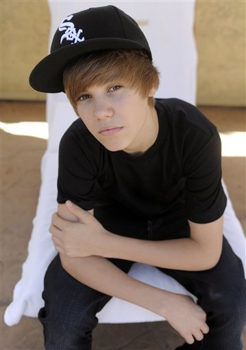 love you justin bieber! me and my friends hayley and maleah are your biggest fans!!!!!!!!!