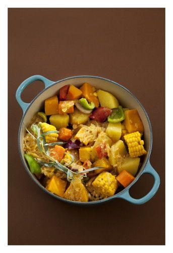 Tarragon vegetable potjiekos - traditional South African cuisine
