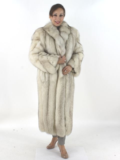 1550d959c02 Natural blue fox fur coat. Petite. Lovely. Good condition. Women s Small -  Used - Estate Furs