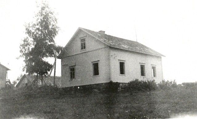 Simo's home in Rautjärvi after the war.