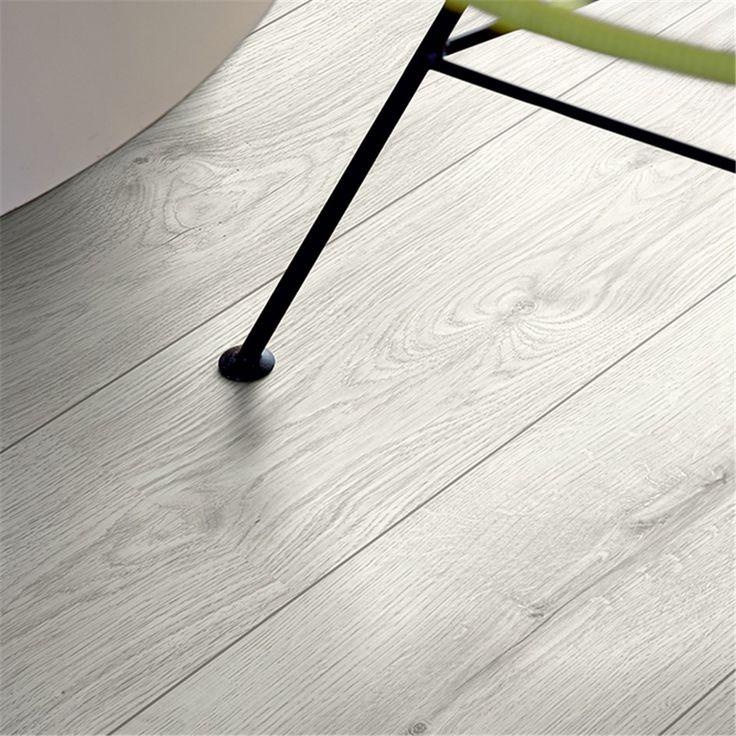 Laminatgolv Pergo Classic Plank 2v Silver Ek 1-Stav - Laminatgolv - Bygghemma.se