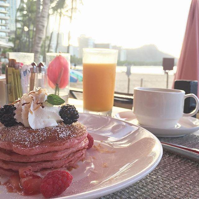 【10.a.z.u.s.a.11.a.z.u.s.a.10】さんのInstagramをピンしています。 《#pink#travel#beach#sunrise#cil#love#morning#running#breakfast#ocean#surf#pancake#lifestyle#Hawaii#royalhawaiian#photograph#oceanview#coffee #ピンク#ビーチ#海#朝食#パンケーキ#日の出#ランニング#旅#ライフスタイル#ロイヤルハワイアン#ハワイ》