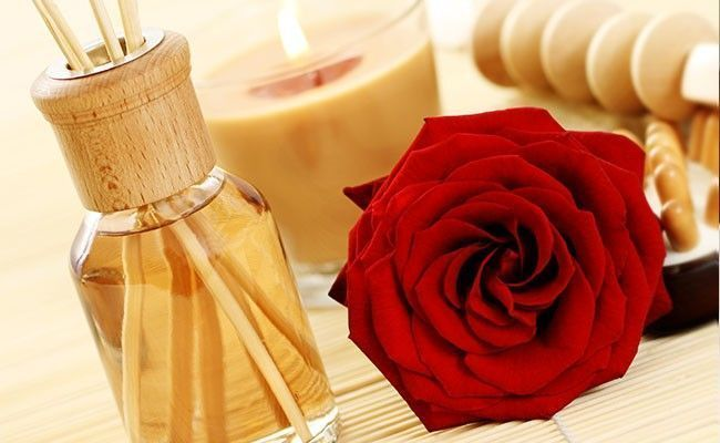 Saiba como fazer diferentes tipos de aromatizadores caseiros e onde colocá-los na casa para perfumar a casa toda com o aroma de sua escolha.
