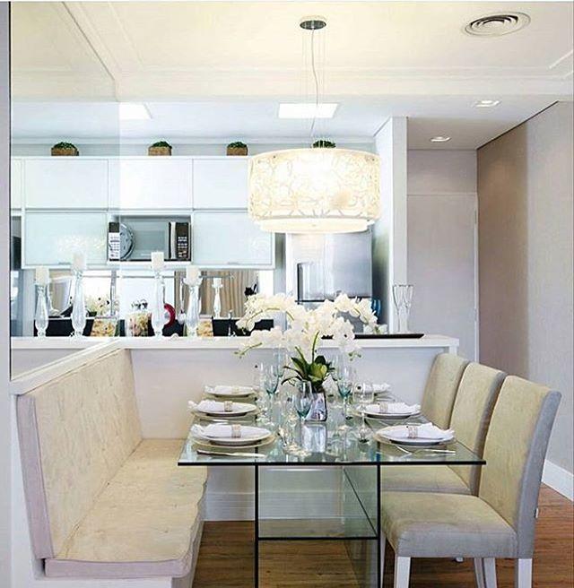 Que linda essa inspiração 😍 #clean #decor #decora #desing #details #detalhes #homedecor #home #homedesign #inspiration #inspiracao #apartamento #apartamentopequeno #apartamentodecorado #cozinha #cozinhapequena #cozinhaplanejada #cozinhaamericana #sala #saladejantar #cantoalemao #casanova