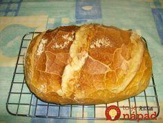 Babičkami mi vravela, že tento chlebík robili kedysi chudobní ľudia a jedli ho aj bez ďalších príloh, na ktoré nemali peniaze. Čím menšiu formu na chlebík použijete, tým bude vyšší. Babka mi vravela, že ľudia