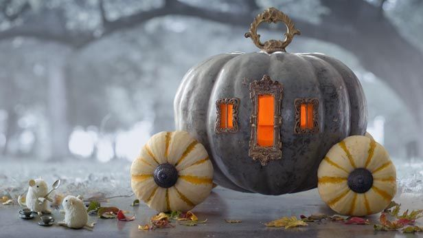 Follow these step-by-step instructions to create 5 amazing jack-o'-lanterns.