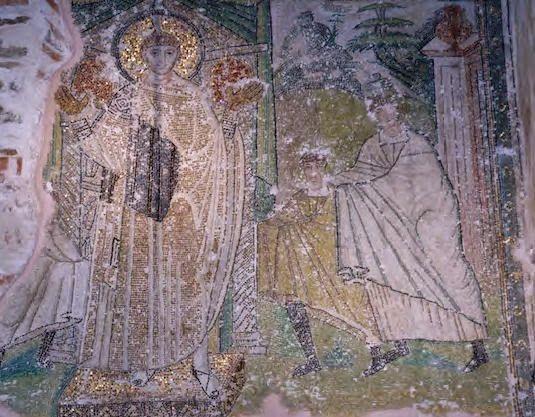Basilica di San Demetrio, Tessalonica, Grecia. Il mosaico del V secolo. Un bambino, accompagnato dalla madre reca delle offerte a San Demetrio, raffigurato su un piedistallo e in posizione di orante con le palme dorate