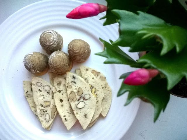 Ms. Blogger Eva: Nejlepší vosí hnízda a ořechové lupínky