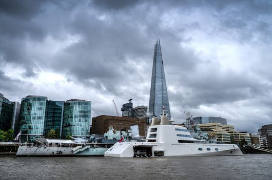 Yacht and the Shard. #england #BTPCityscapePro – +BTP Cityscape Pro . owned b...