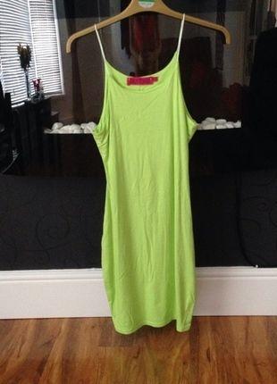 Buy here at #vinteduk http://www.vinted.co.uk/womens-clothing/casual-dresses/4407115-green-figure-hugging-dress