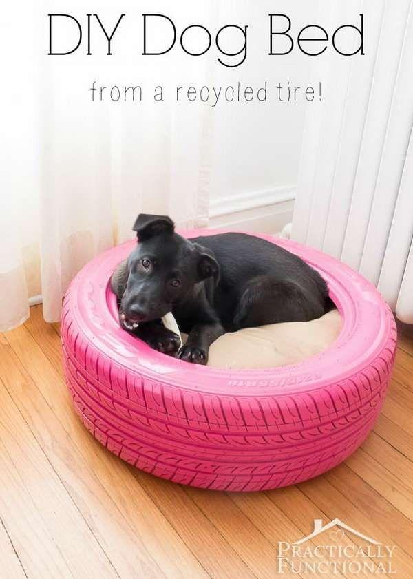 Les 25 meilleures id es concernant niches pour chien sur - Fabriquer un lit pour chien ...
