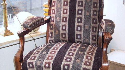 Vidéo Le fauteuil VOLTAIRE - restauration du siège en traditionnel - Divers