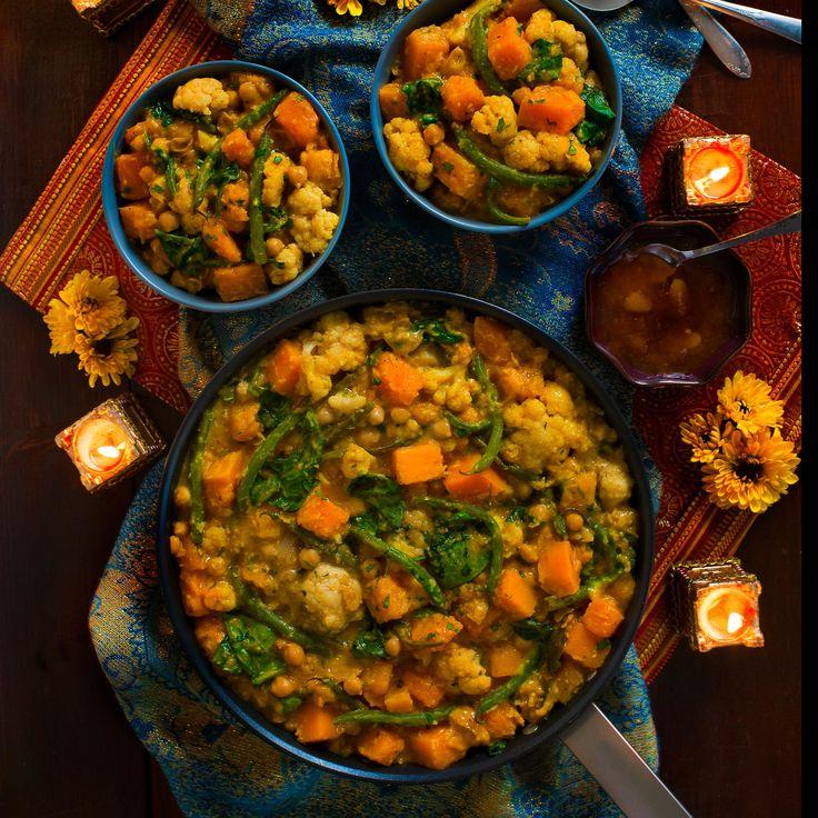 Curry aux pois chiches et à la courge musquée  Ce plat copieux est parfait pour l'automne. Joliment coloré, il représente une excellente source de protéines. En plus, il est facile à faire. Quoi de mieux ?