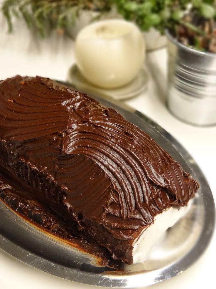 MATRIMONIO IN CUCINA: Rotolo al cioccolato con panna e mirtilli