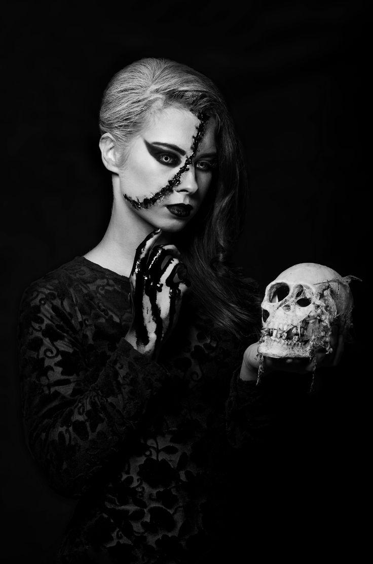 Modelka: Martyna Wujek Makijaż: Karolina Szeliga Stylizacja: Ewa Wadych Foto: Jakub Frąckowiak - jaqb.pl