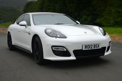 Porsche Panamera GTS front tracking