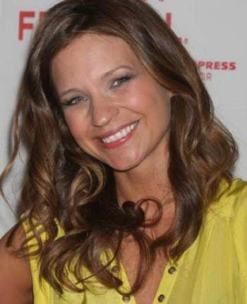 vanessa ray | Blue Bloods': Vanessa Ray's mom is a show superfan - Zap2it