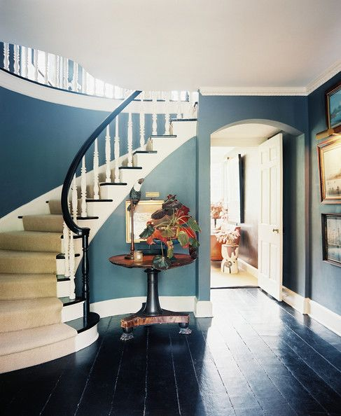 Squeeze Some Style With These Small Hallway Interior: 25+ Best Ideas About Curved Staircase On Pinterest