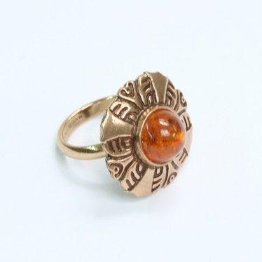 Kalevala Koru | Kuukiven koru. I would like this as a brooch/shawl pin