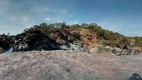Chunchi Falls: The solitary adventurer's dream - Nearfox