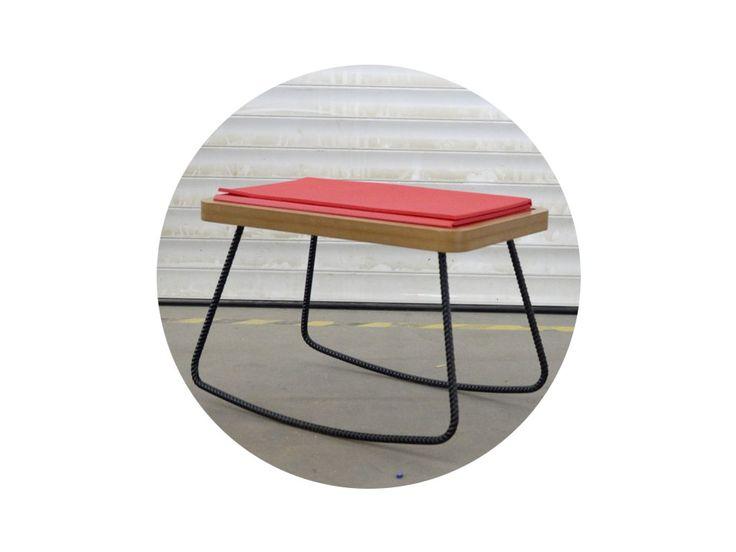 """Húpacia sedačka """"jóga"""" - posedenie z roksorovej konštrukcie a sedák z prírodnej MDF dosky so skladacou karimatkou.   VOLITEĽNÁ FARBA ROKSORU"""