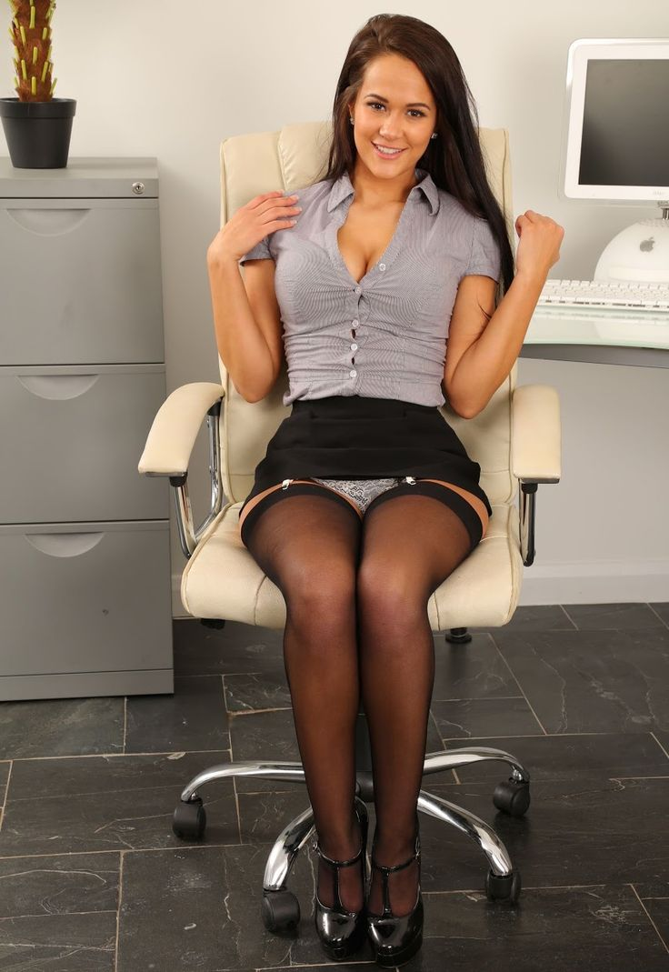 upskirt-secretary-desk-hot-sexy-men-fucking-wome-gifs